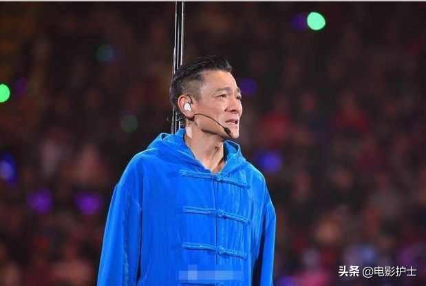58岁刘德华近况曝光,体重锐减骨瘦如柴,不老男神昔日风采已不再