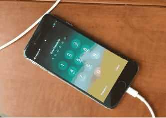 黑客展示iPhone锁屏密码暴力破解法:数据不会被擦除