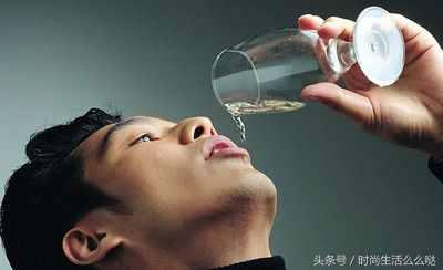 """山东人喝酒为啥喜欢叫""""三陪""""?"""