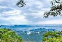 九华山在哪个城市(远近闻名的九华山具体坐落位置