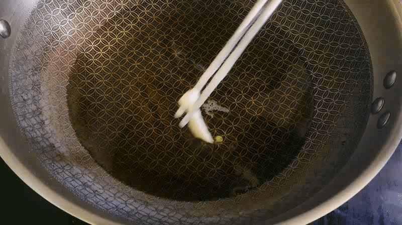 白玉菇这样做,外脆里软,真好吃,拿肉都不换