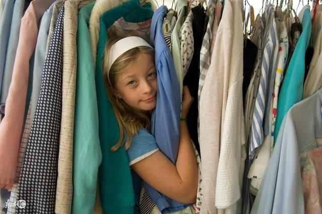 为什么小孩子的衣服比大人的衣服还贵呢?