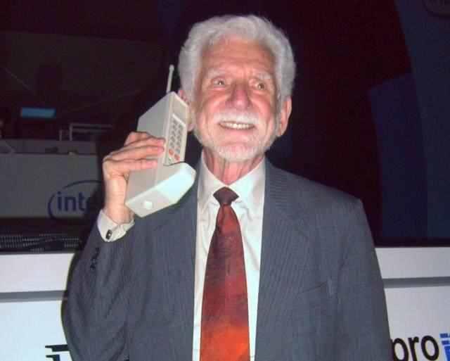 贝尔发明了电话,但是谁发明手机?哪位电影女明星发明了CDMA?