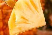 菠萝怎么吃最甜?教你正确做法,菠萝超甜不扎嘴