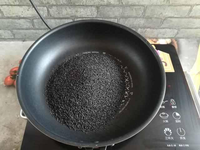 超详细的黑芝麻核桃糖做法,掌握3个重点,新手也能做成功