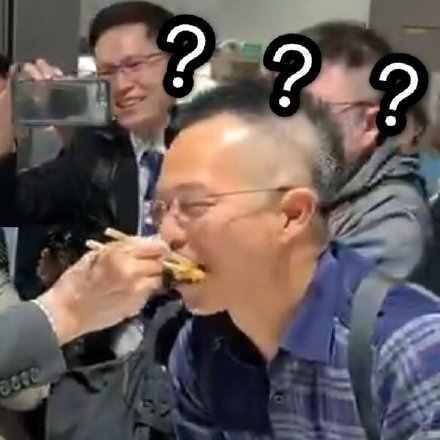 突然被泰国副总理喂饭是什么梗?为什么突然被泰国副总理喂饭现场图
