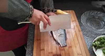 鲫鱼汤的做法 清炖鲫鱼汤怎么做好吃