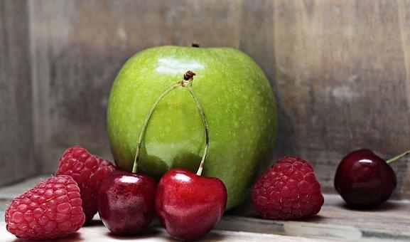 吃桃子削不削皮?给你详解桃子的健康吃法