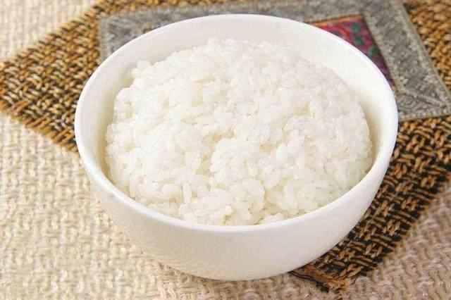 如果利用蒸碗在微波炉里蒸米饭?高压锅和微波炉也