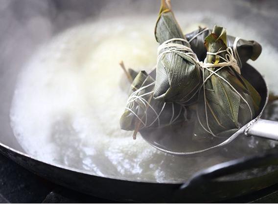 粽子是蒸还是煮?粽子是隔水蒸还是水煮