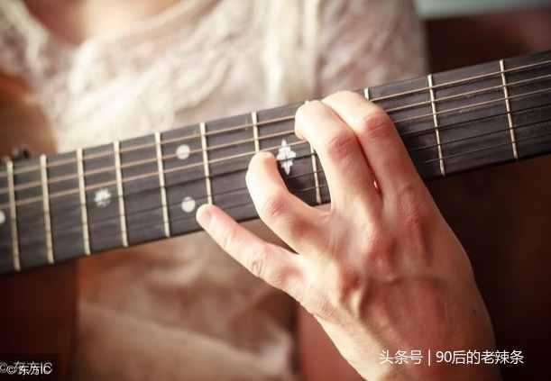 吉他怎么赚钱?吉他小白如何走上用吉他挣钱的道路