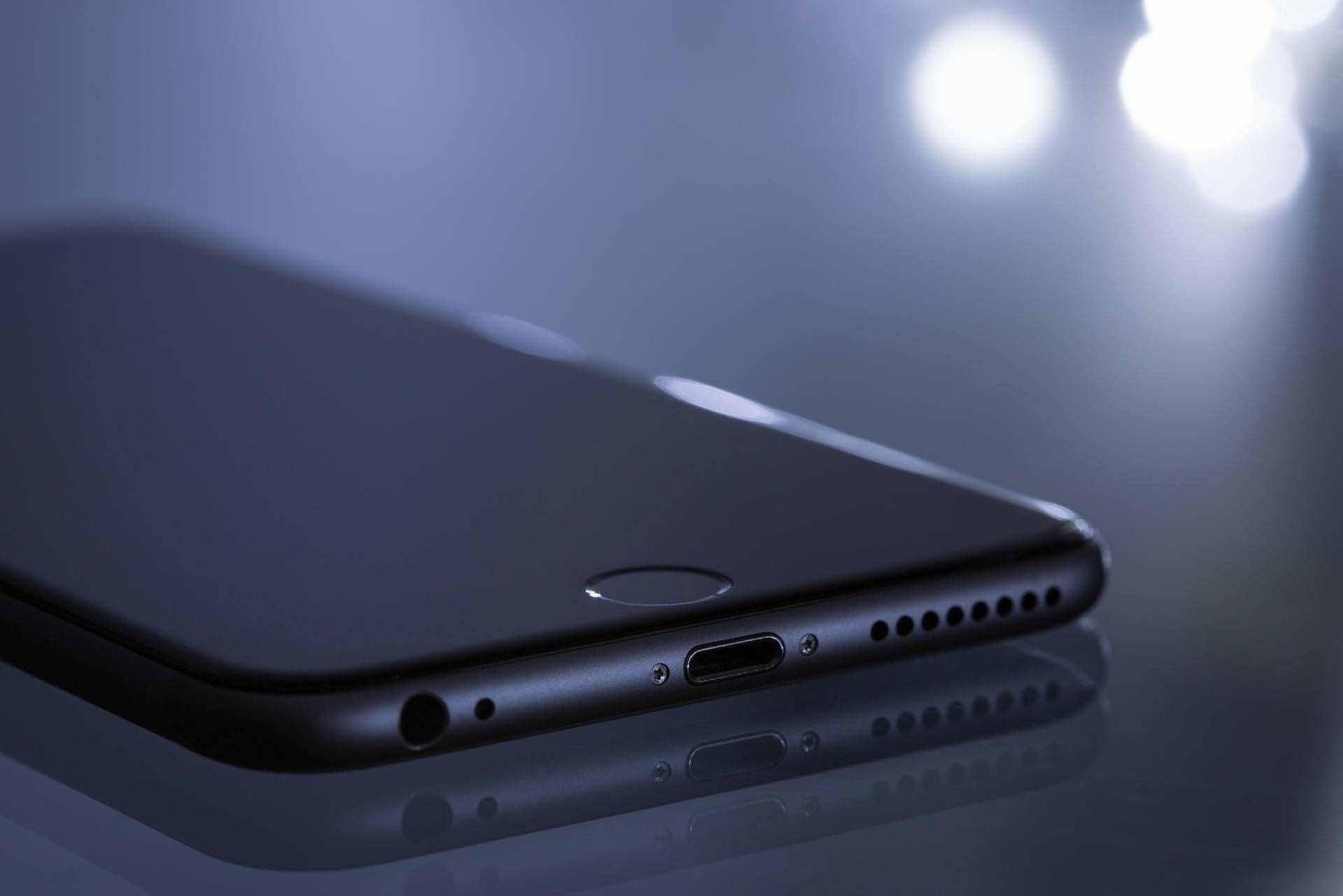 华为手机耗电太快?其实是这3个按钮没关,难怪手机一天三充