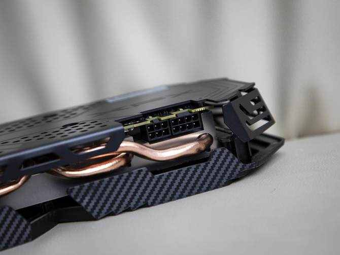 碳纤维外观千元优选游戏卡 讯景XFX RX590GME黑狼显卡评测
