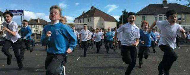 孩子学习容易放弃?每天跑步1000米,孩子耐力好更能坚持