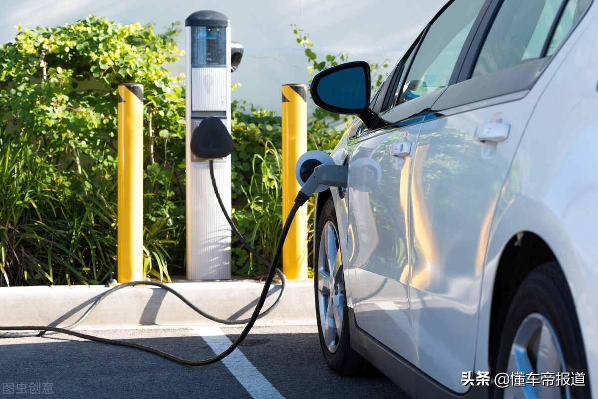 海外 5月英国电动汽车市占率近15%:特斯拉、大众成最受欢迎品牌